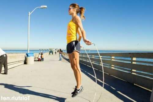 упражнения на плечи: с гантелями и штангой